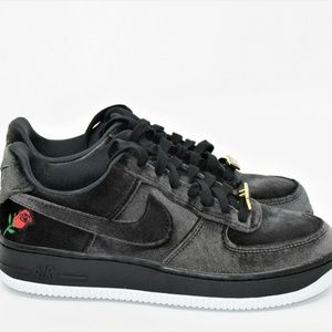 Nike Air Force 1 QS 07 Black Rose Low Satin